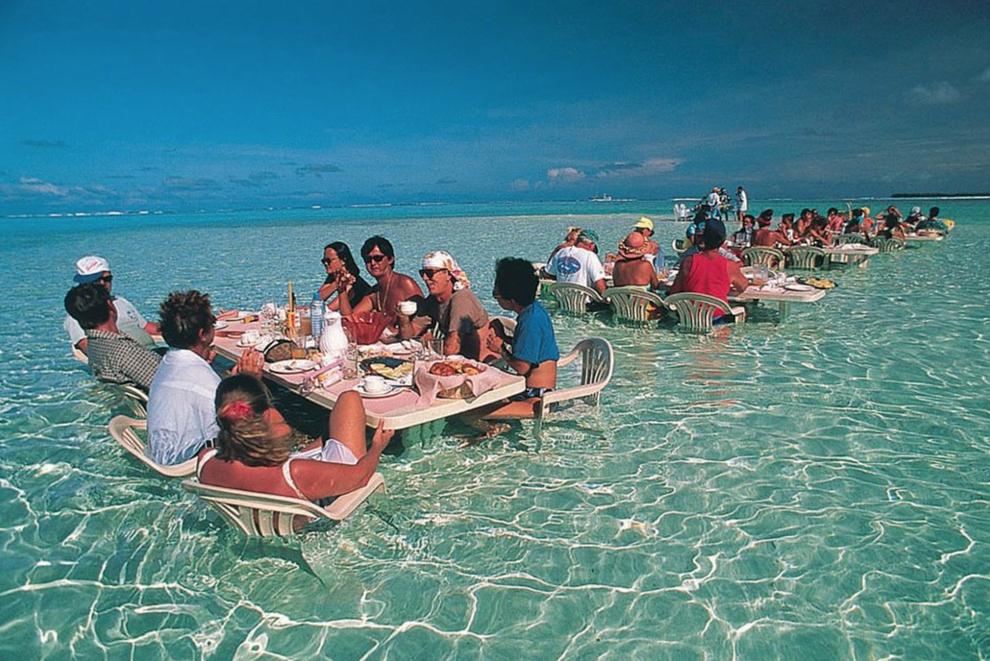 Tahiti Bora Bora lunch in the ocean